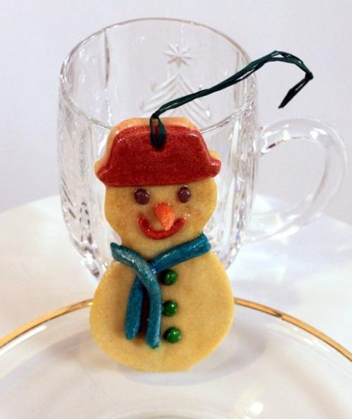 Снеговики из соленого теста для украшения ёлки на новый год, фото