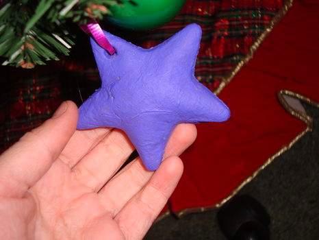 Новогодние фигурки из соленого теста: звезды, палочки и полумесяцы