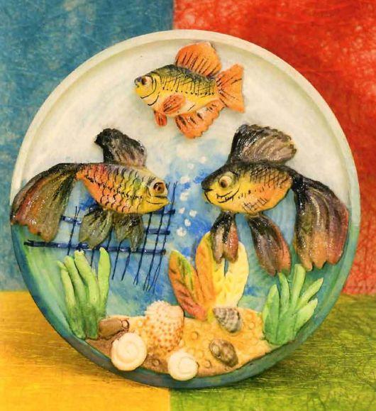 Рыбки в виде панно из соленого теста