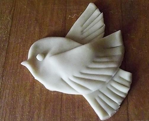 Птичка из соленого теста