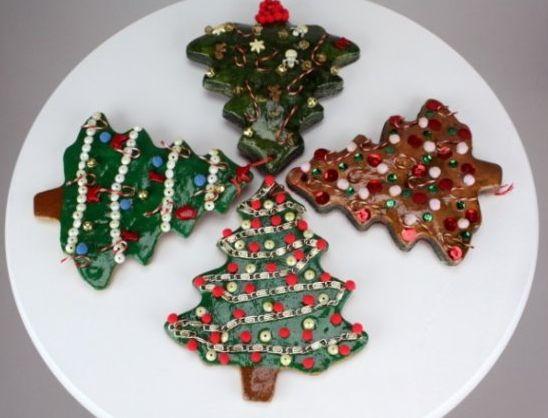 Поделка из соленого теста к Новому году: елочка, красивый зимний орнамент, фото